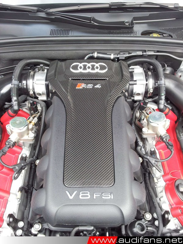 Audi RS4 Engine -photo Copyright audifans.net 2012