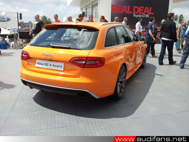 B8 RS4 Photo Copyright audifans.net 2012